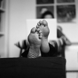Creative Commons feet up by Reinis Traidas_Flickr