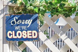 Sorry we're closed sign_Image used under license from Shutterstock